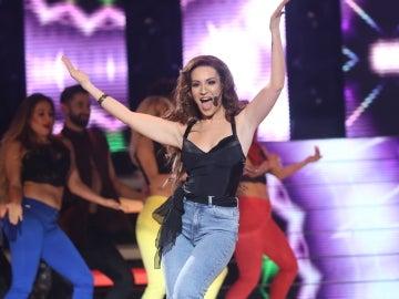 Yolanda León, una ardiente sandunguera cantando 'Mujer Latina' al ritmo de Thalía