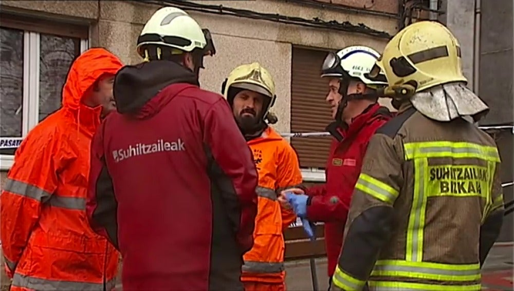 Frame 33.2945 de: Abren un expediente a un bombero por negarse a participar en el embarque de armas con destino a Arabia Saudí