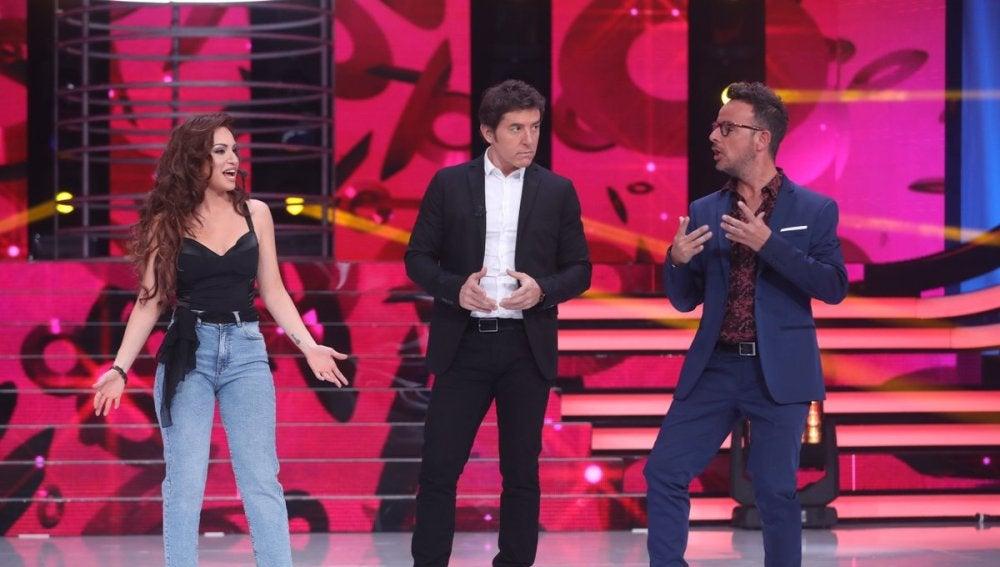 El ejercicio de tocarse con el que el jurado imitó a Thalía