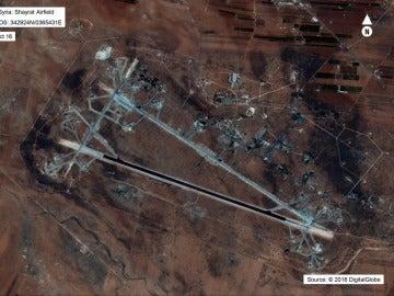 Vista del aeropuerto de al-Shayrat, cerca de Homs (Siria)