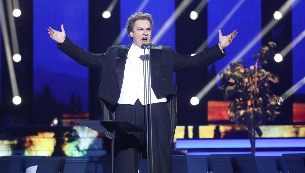 David Velardo lleva la ópera al plató con la canción 'Granada' de Plácido Domingo