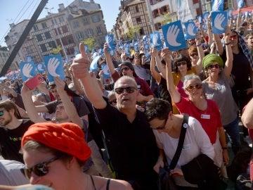 Concentración en Bayona por el desarme de ETA