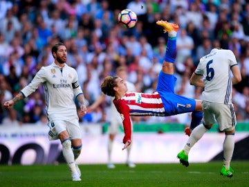 Griezmann, en una jugada en el Bernabéu