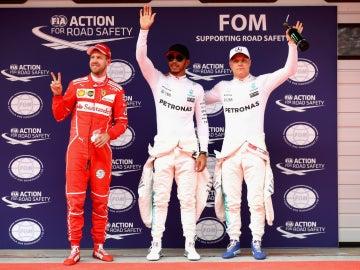 Vettel, Hamilton y Bottas, los más rápidos del sábado en China