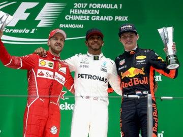 Vettel, Hamilton y Verstappen, en el podio de China