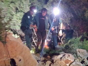 Xisco Gràcia a la salida de la cueva