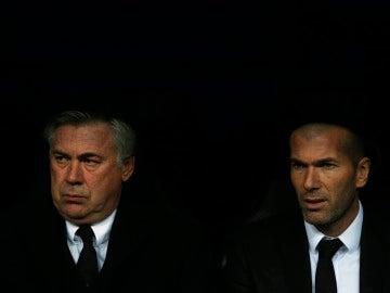 Zidane y Ancelotti comparten banquillo en el Real Madrid