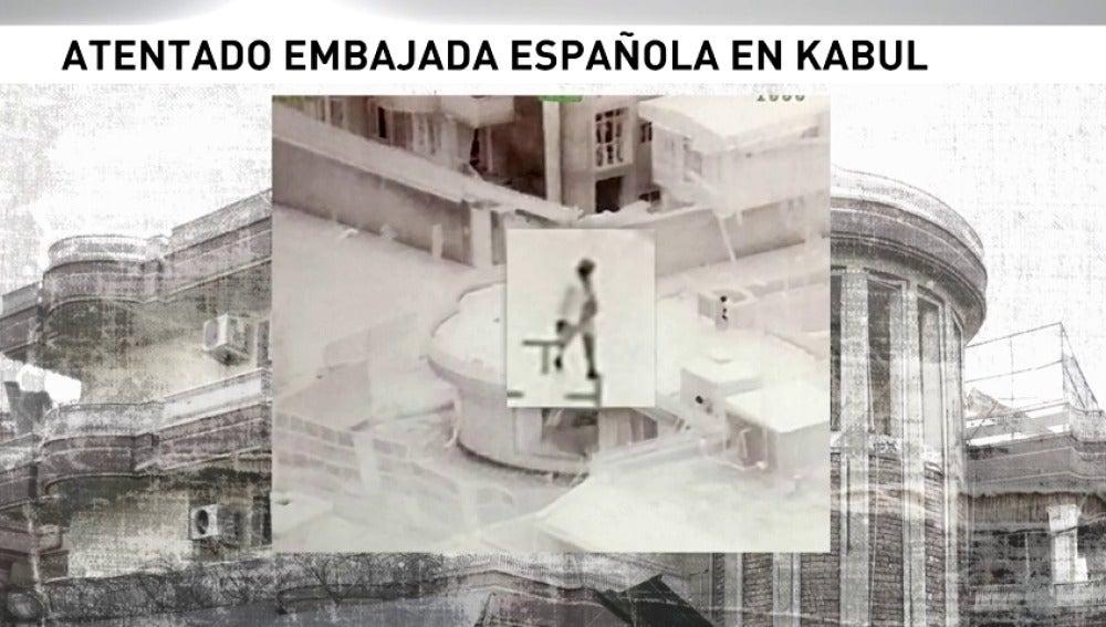 Frame 5.048701 de: Nuevas fotos del ataque que sufrió la embajada de España en Kabul en 2015