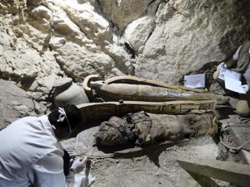 Arqueólogos trabajando en el nuevo descubrimiento