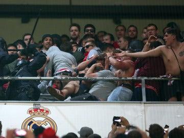 La Policía carga contra los aficionados del Bayern