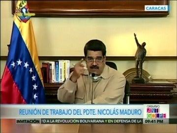 """Frame 58.848458 de: Maduro denuncia un golpe de Estado convocado desde EEUU y anuncia la detención de uno de los """"cabecillas del complot militar"""""""