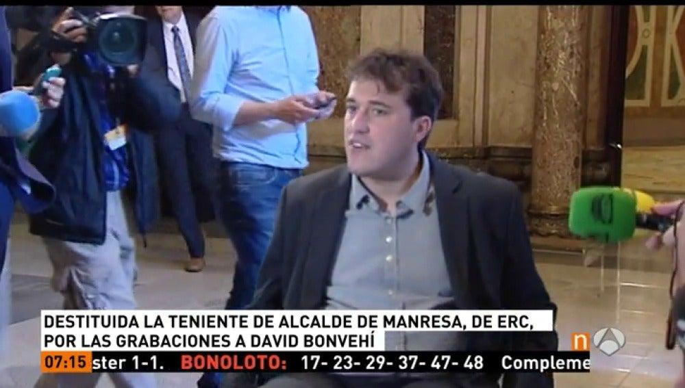 Frame 21.953333 de: El alcalde de Manresa aparta a la edil de ERC salpicada por el caso Bonvehí