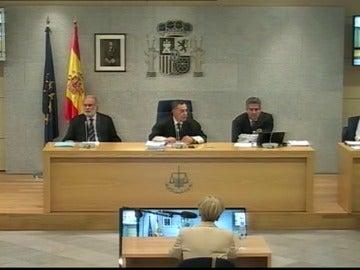 """Frame 11.36388 de: El PP considera un """"abuso de derecho con intenciones políticas"""" la citación de Rajoy en el caso Gürtel"""