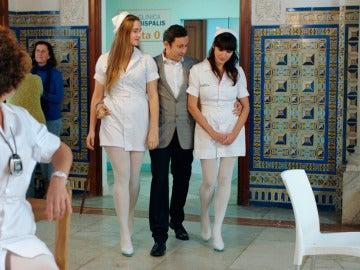 Cristóbal contrata a enfermeras muy jóvenes y sin experiencia