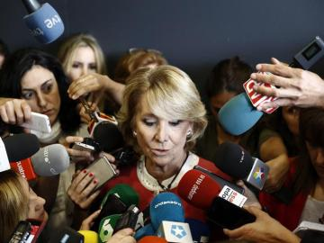 Esperanza Aguirre ante la prensa