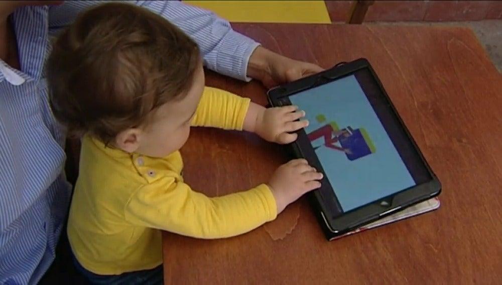 ANTENA 3 TV | Alertan del abuso de la \'tablet\' en niños: puede ...