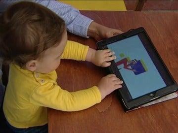 Frame 7.064293 de: Usar una tableta durante una hora puede suponer 26 minutos menos de sueño