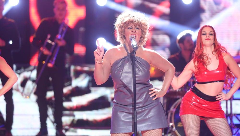 Laura Amorós llega al plató convertida en una perfecta Tina Turner