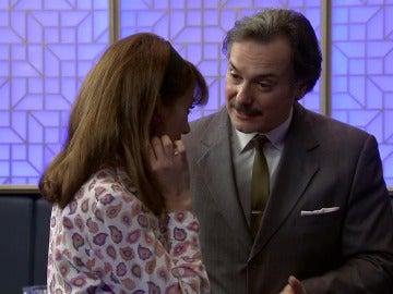 Barrantes consigue llamar la atención de Henar y le pide una cita