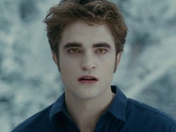 Robert Pattinson como Edward Cullen