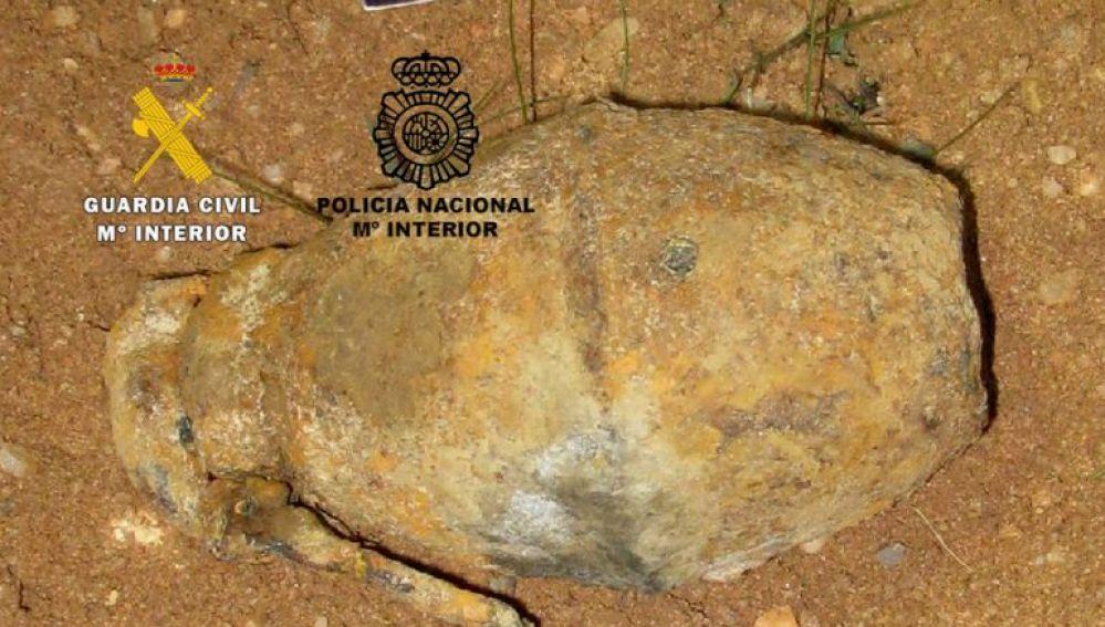 Granada de mano destruida por la Guardia Civil