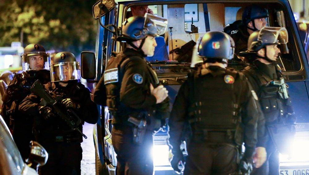 Seguridad reforzada tras el ataque en los Campos Elíseos