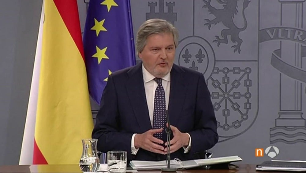 """Frame 54.982857 de: Méndez de Vigo defiende que el Gobierno combate la corrupción, que no tiene """"ideología"""" ni """"carné"""""""