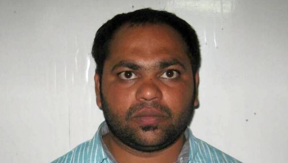 Un indio planea un atentado para evitar viajar con su amante