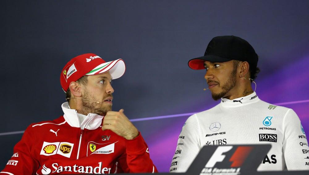 Vettel y Hamilton en rueda de prensa