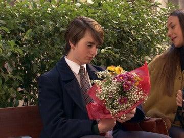 Blanca dejará plantado a Bruno con un ramo de flores