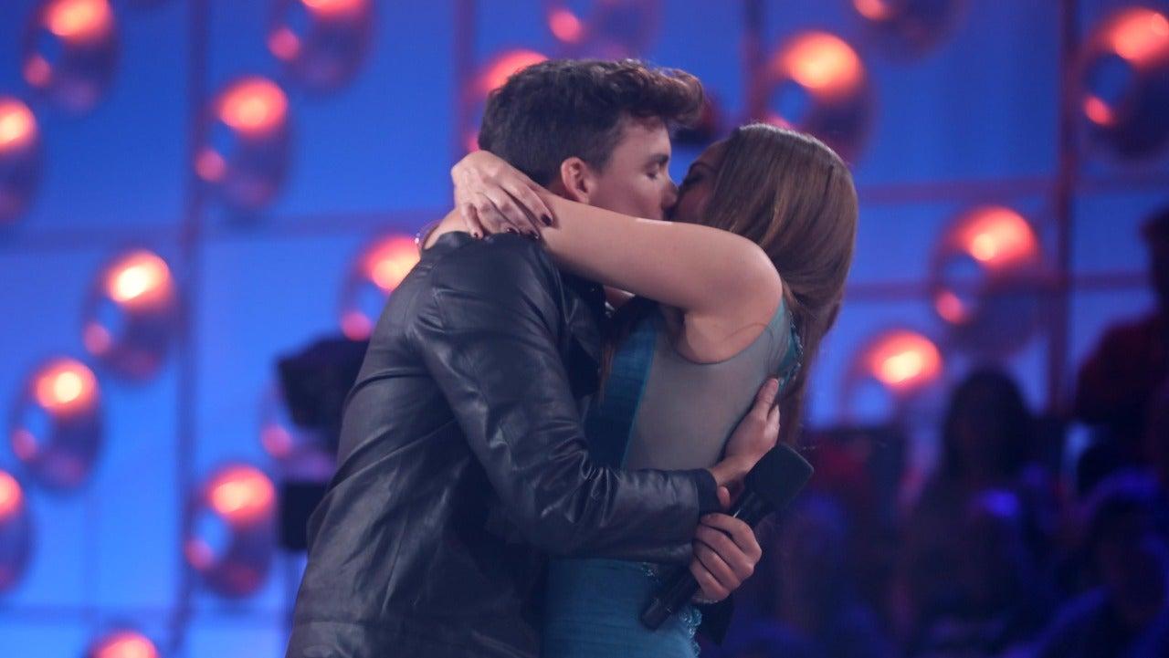 Xuso Jones y Mónica Naranjo se funden en un beso