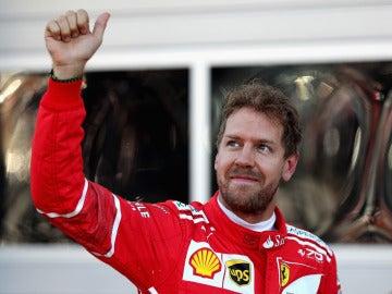 Sebastian Vettel celebrando la 'pole' de GP de Rusia