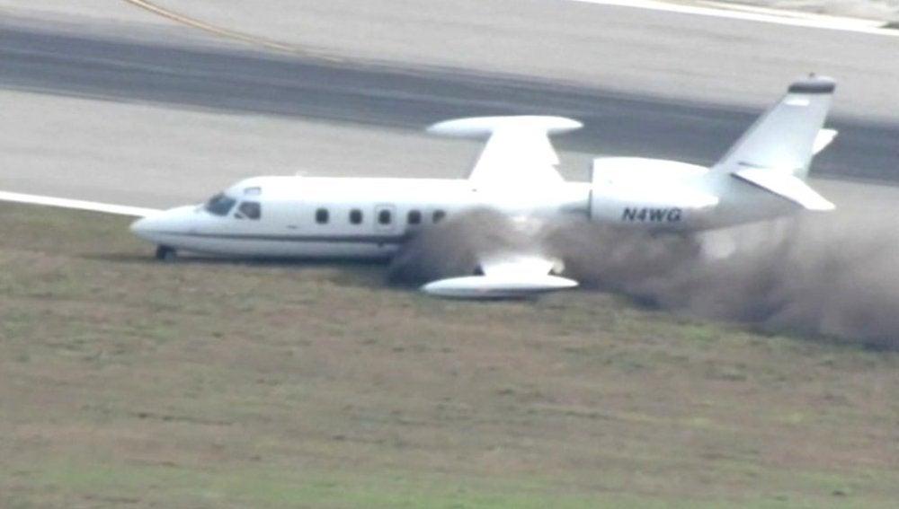 Una avioneta aterriza de emergencia en Florida
