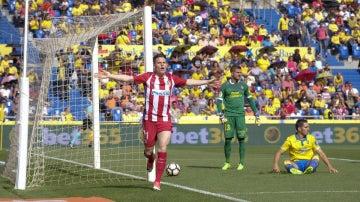 Gameiro celebra un gol ante Las Palmas