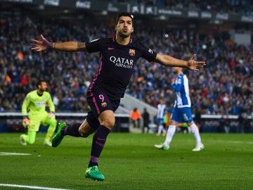 Suárez celebra un gol contra el Espanyol