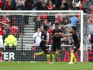 Los jugadores del City celebrando el gol de Gabriel Jesús