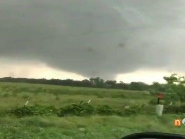 Frame 19.215 de: tornados