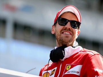 Sebastian Vettel, sonriente