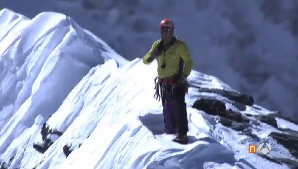 Frame 82.090952 de: alpinista