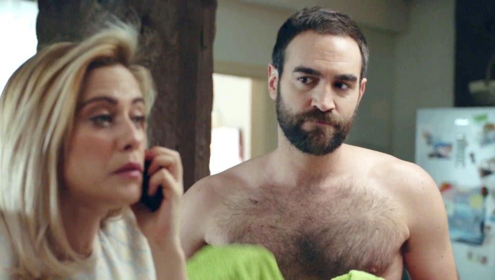 Carmen halaga a Horacio ante la desesperación de Iñaki