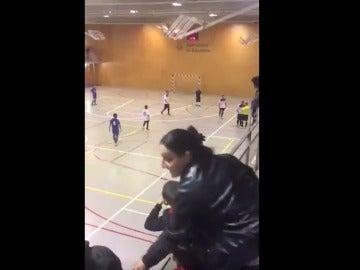 Agresión al árbitro en pleno partido de fútbol sala