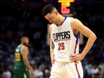 Austin Rivers se lamenta tras una canasta de Utah Jazz
