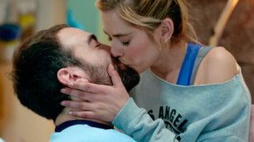 Carmen calma los celos de Iñaki