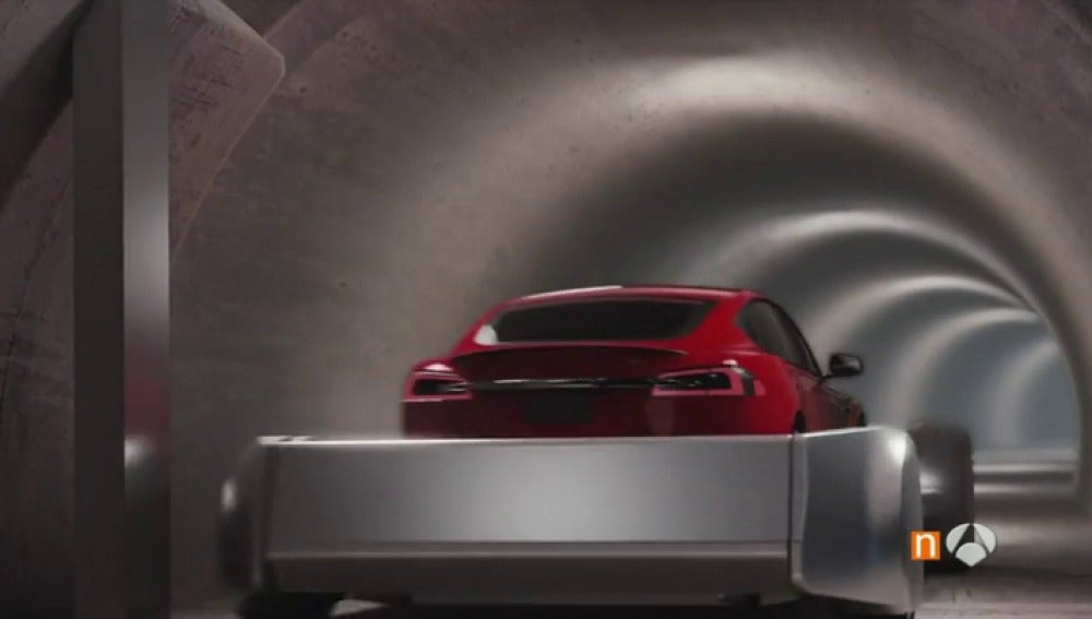 Frame 45.874444 de: coches tuneles