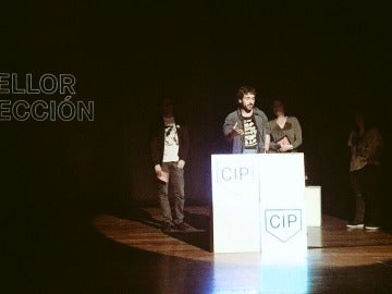 La webserie 'El Partido' de Flooxer recibiendo el premio