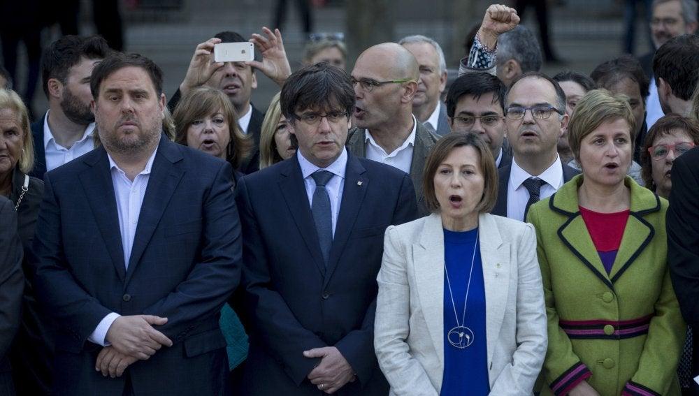 Forcadell y Simó acompañadas de Puigdemont y Junqueras