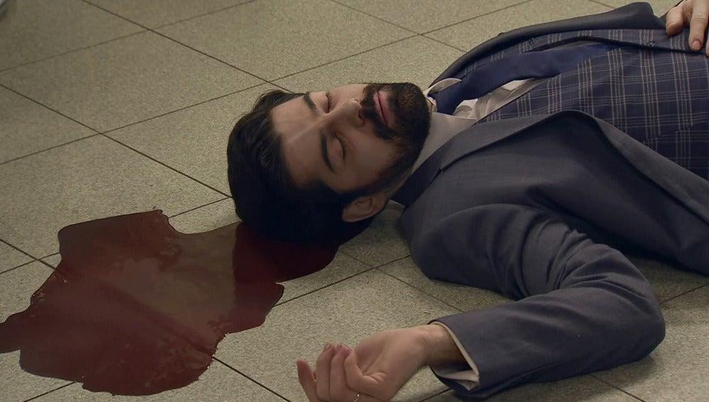 Henar no da crédito: Alonso aparece muerto en su despacho
