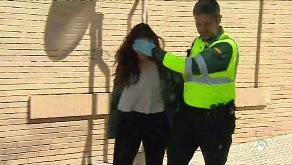 Frame 1.56555 de: Prisión provisional y sin fianza para la conductora que mató a dos ciclistas en Oliva