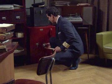 Rafael deja un intrigante sobre en la caja fuerte del 'King's Road Club'