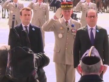 Frame 27.013631 de: Macron homenajea a las víctimas de la II Guerra Mundial en su primer acto como presidente electo